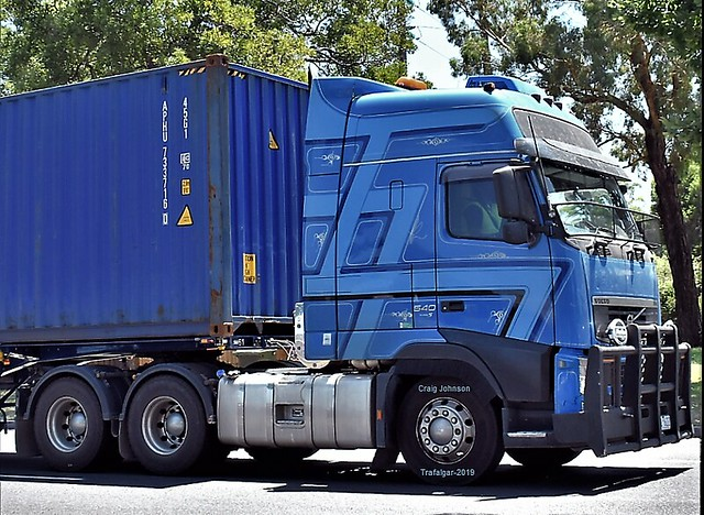 Volvo Globetrotter eastbound Trafalgar