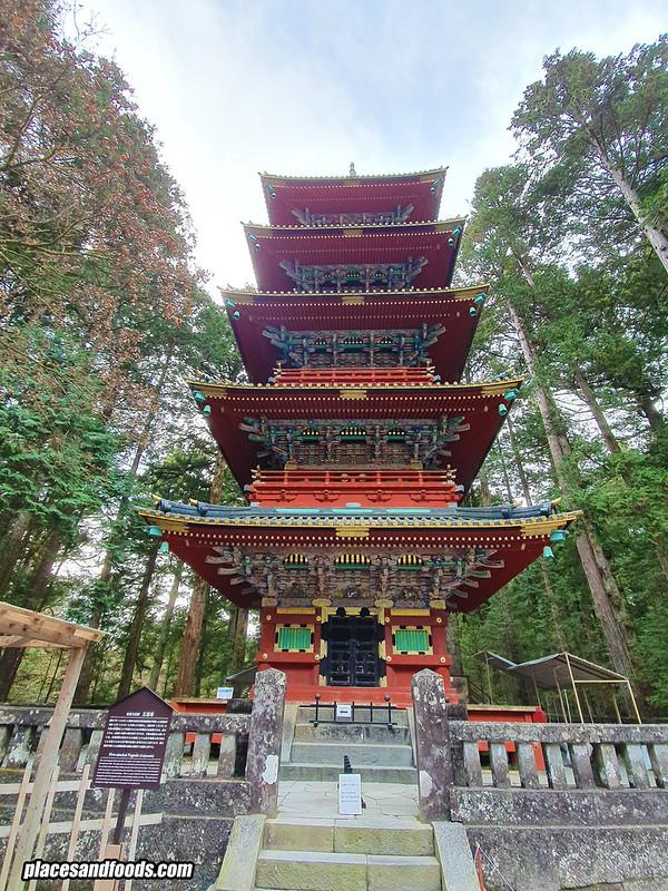 nikko toshogu shrine 5 pagodas