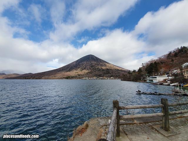 nikko lake chuzenji mount nantai