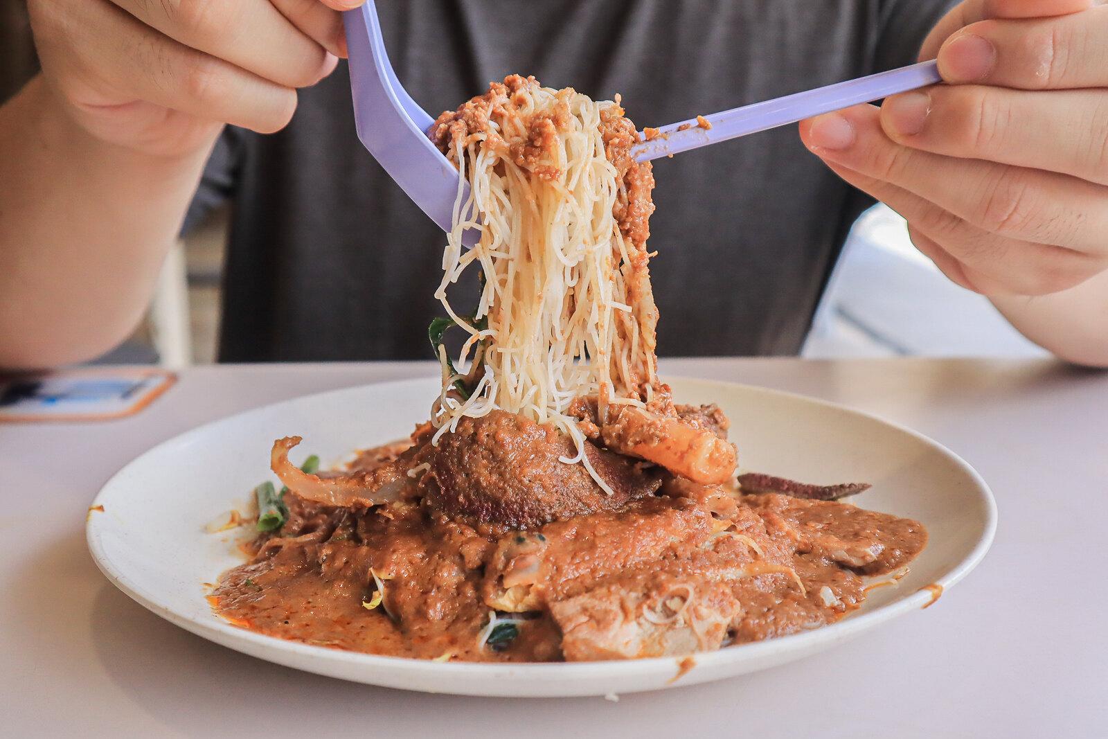 Bak Kee Teochew Satay Bee Hoon noodle lift