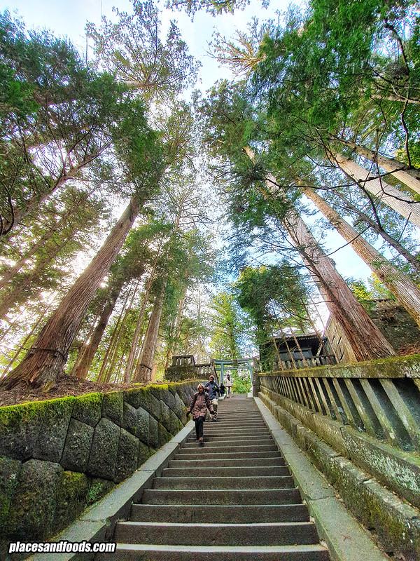 nikko chuzenji shrine steps