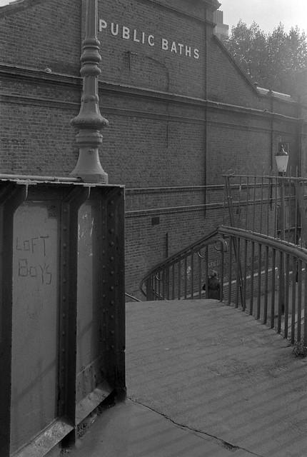 Canal footbridge, Harrow Rd, Queens Park/Kensal Town. 1982 33b-43: footbridge,