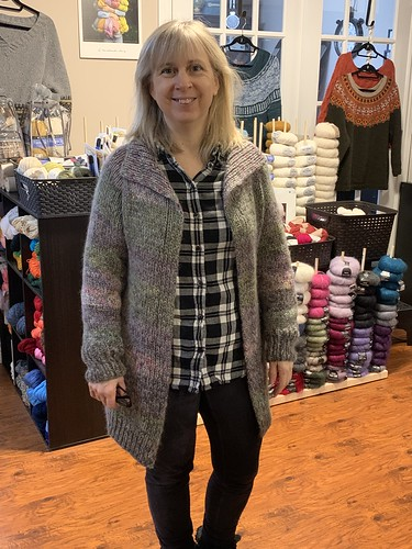 Rita's FO this week was her Asheville, a free Ravelry download pattern by The Noble Thread.