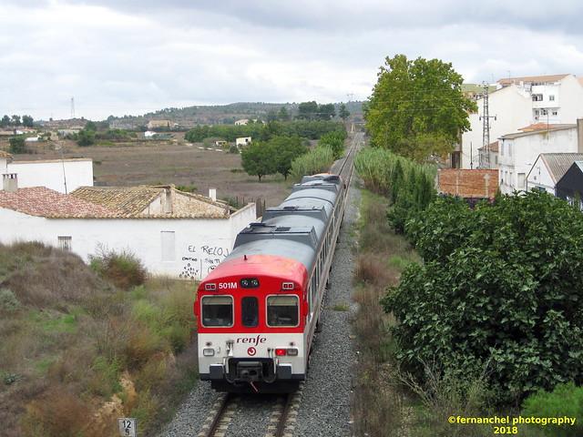 Tren de Cercanías de Renfe (Línea C-3) a su paso por REQUENA (Valencia)