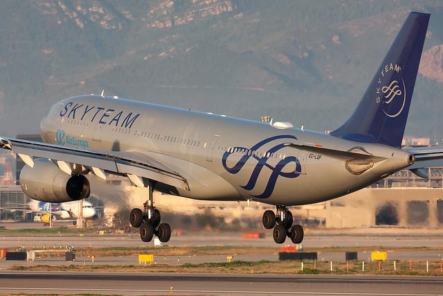 Airbus A330-200 Air Europa Skyteam EC-LQS MSN 526