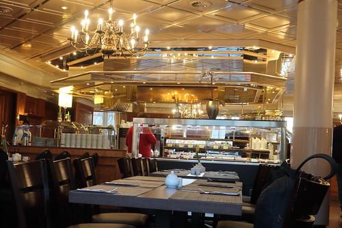 Blick zum Buffet im Frühstücksraum
