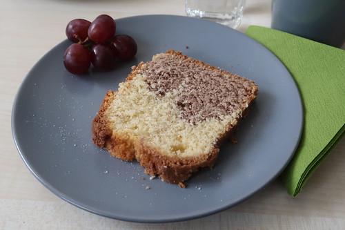 Marmorkuchen und Trauben