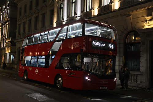 London United BDE47003 on Route 94, Piccadilly Circus