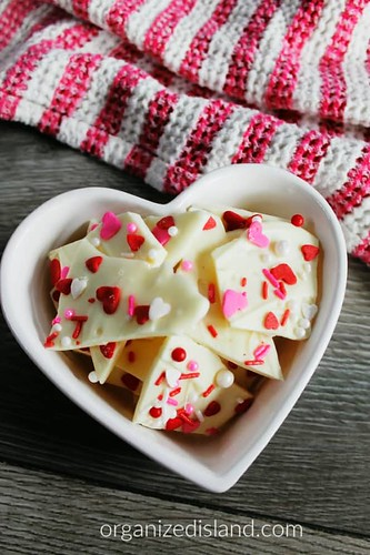 Valentine-Chocolate-Bark