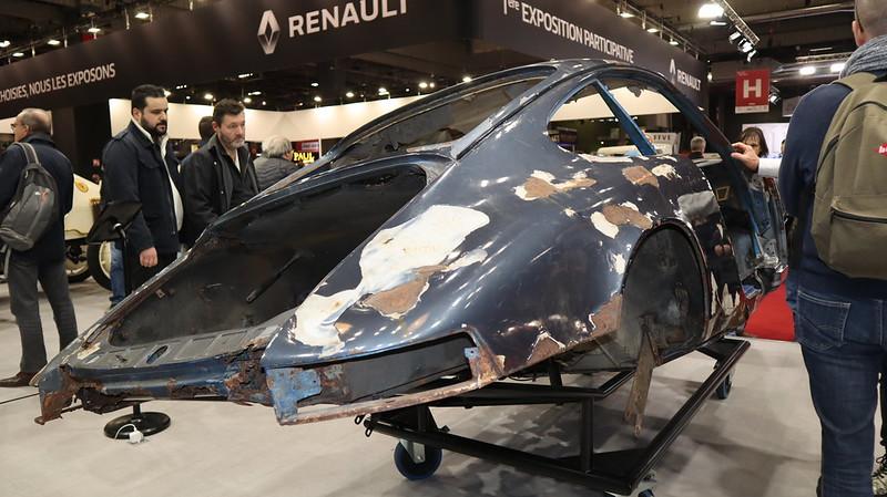 Porsche 911 caisse en restauration par les ateliers du centr 49504254708_d132864470_c