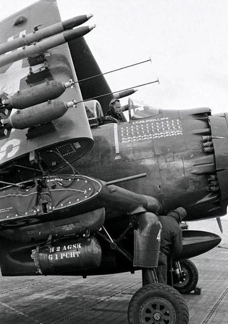 warhistoryonline: Closeup of the fire power of an AD-2 Skyraider, 1952. https://wrhstol.com/2OCwLng