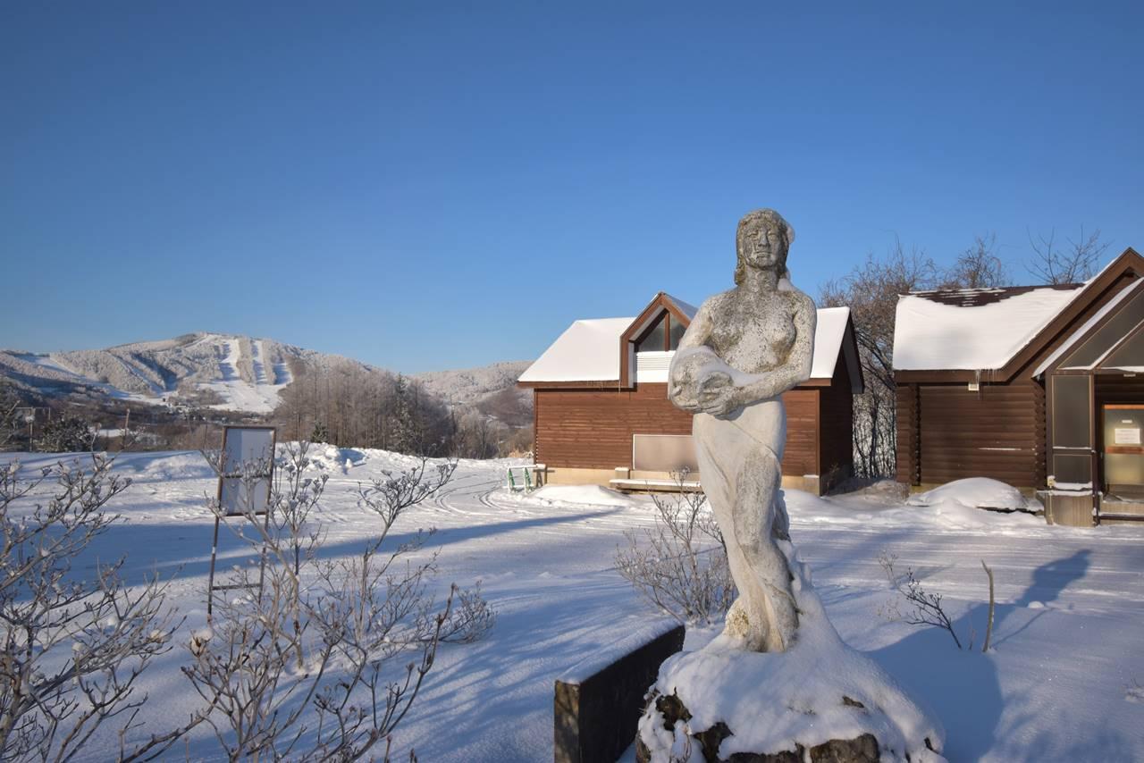 ダボスの女神像