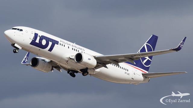 TLV - LOT Boeing 737-800 SP-LWC
