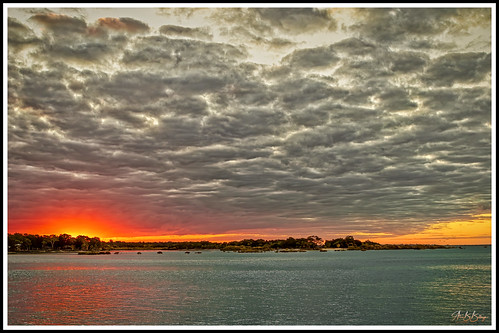 weather clouds toogoom queensland sea ocean seaside sunset light sun water beach