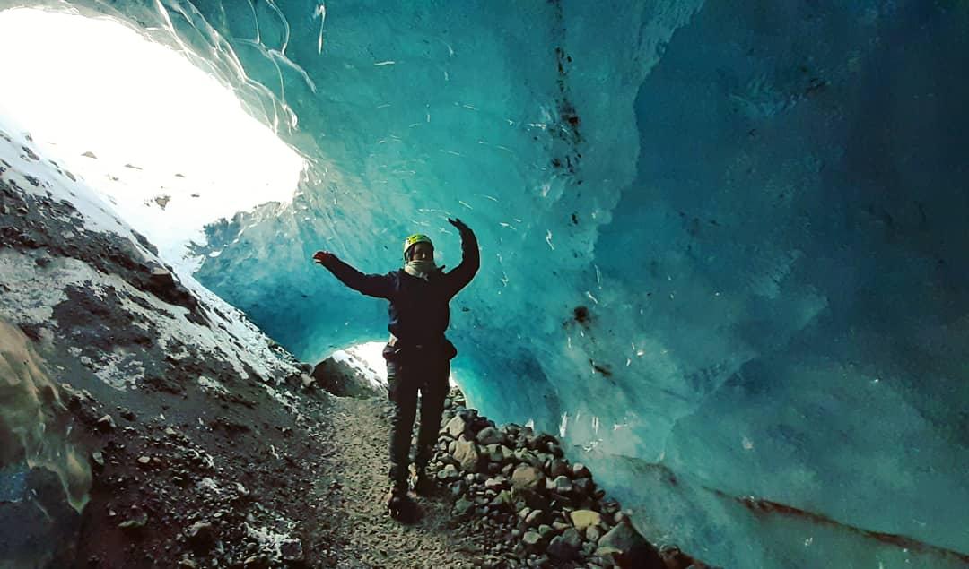 Blue ice cave - Falljökull glacier