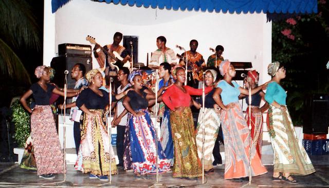 Barbados Caribbean Cultural Dancing Dec 1983 042a