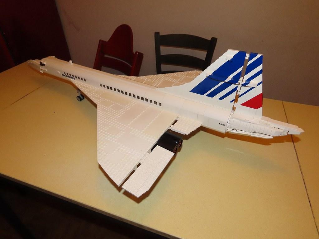 Un avion de ligne Lego 49506131753_fc4c69513f_b
