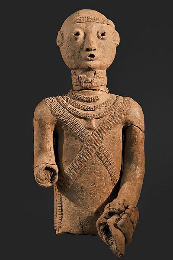 Bura-Asinda-SikkaTorsoOfAnEquestrian(RuiterGrafgift)3rd–11thCenturyExcavated1985Terracotta