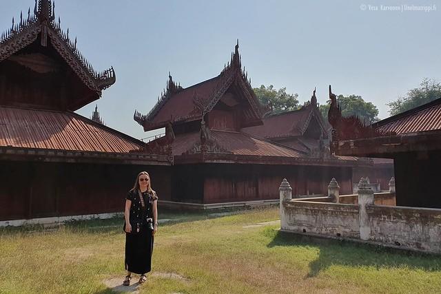 Allekirjoittanut Mandalayn Kultaisella palatsilla