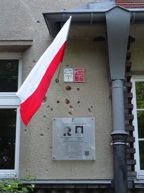 Righteous Among The Nations memorial on the wall of 49 Czarnieckiego Street