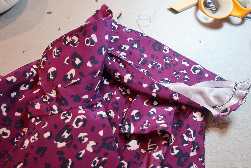 Purple dot collar construction