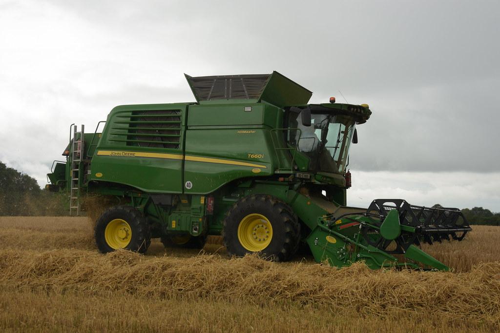 John Deere T660 Combine Harvester cutting Sping Barley