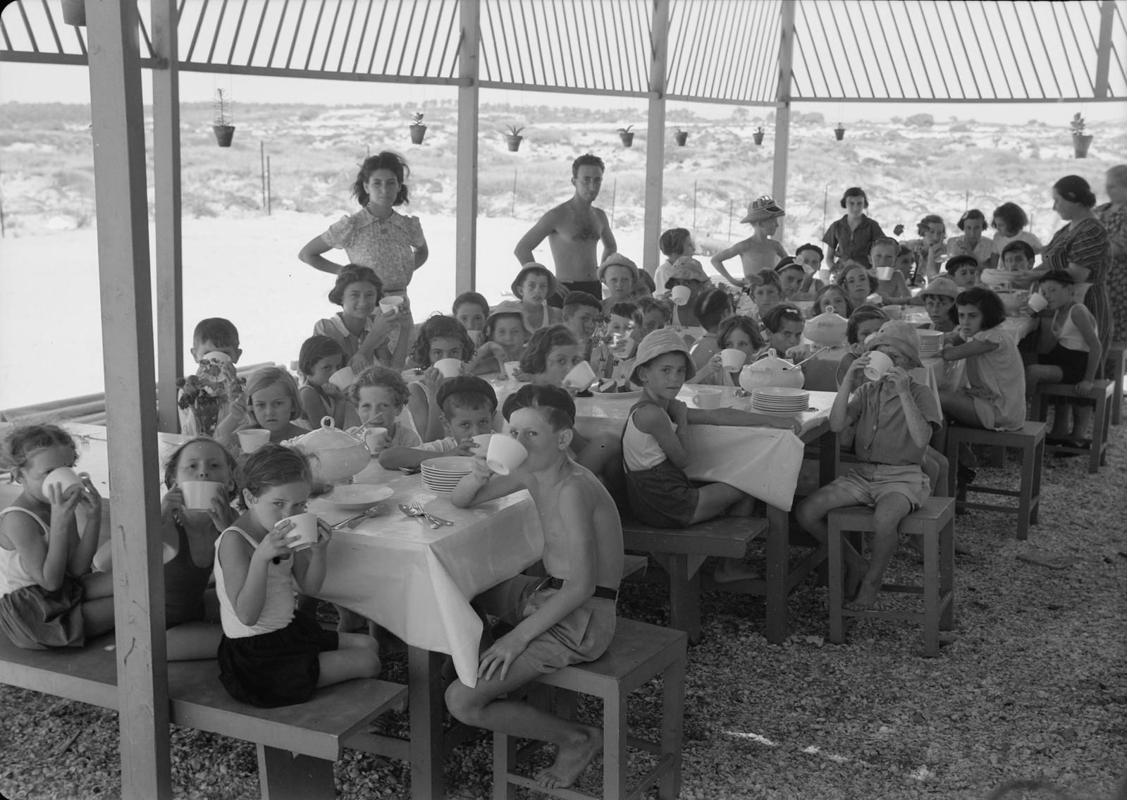 20. Обед в детском учреждении