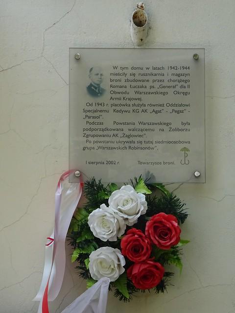 Polish resistance memorial on the wall of 17 Czarnieckiego Street