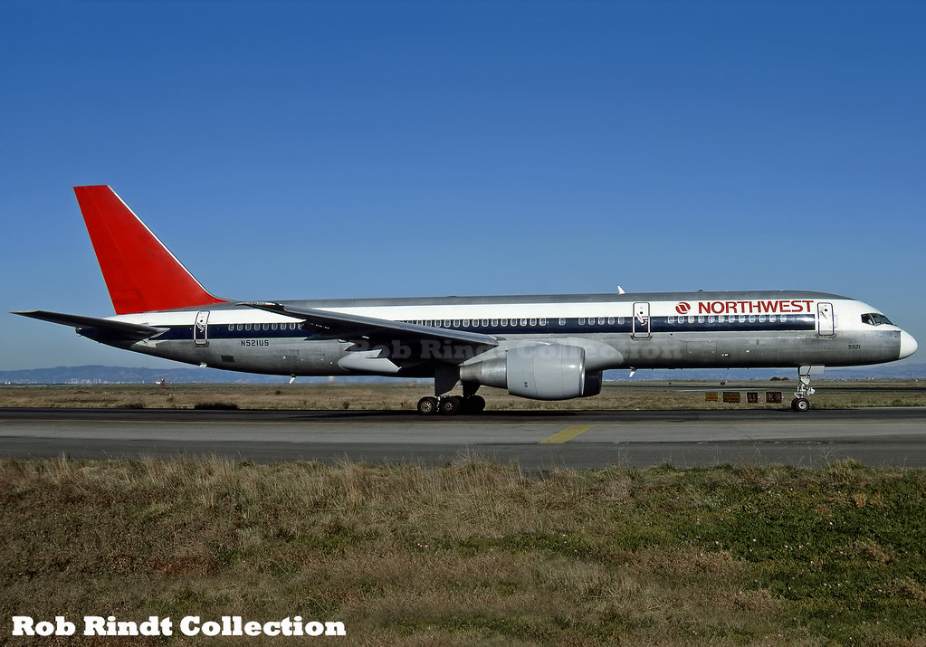 Northwest Airlines B757-251 N521US