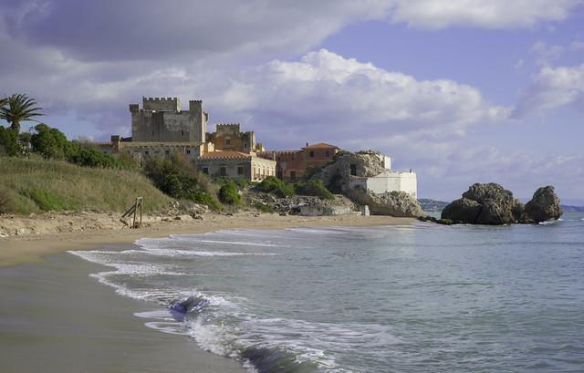 sul mare il castello