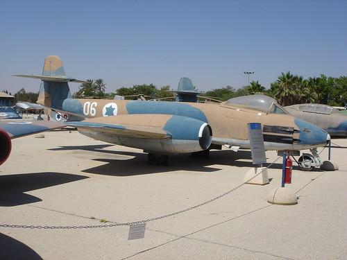 Gloster Meteor F.8 06NIDF LLHB 26062008 0