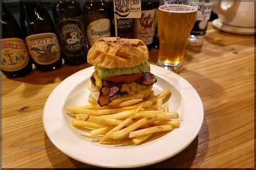 Photo:2019-01-09_ハンバーガーログブック_昭和の外装モダンな内装【大森】CHANgES Burger_03 By:Taka Logbook