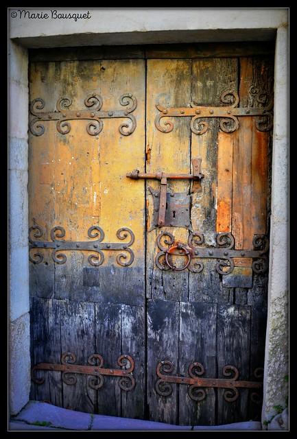 Porte de l'église Saint-Jacques