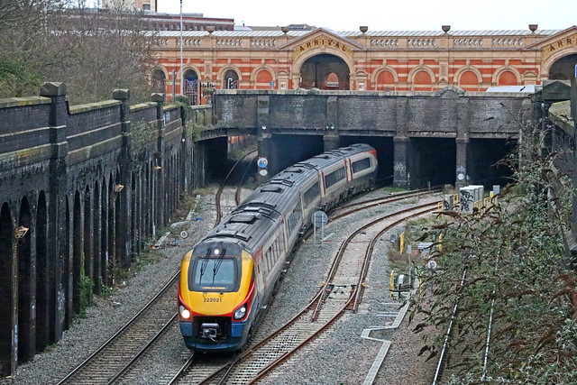 222021_2001_Leicester
