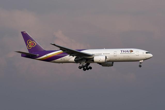 Thai Airways Boeing 777-2D7(ER) HS-TJS พระนคร Phra Nakhon