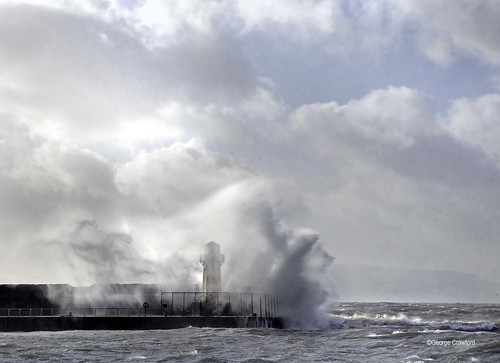 Storm Ciara at Ardrossan Harbour Lighthouse1_edited-1