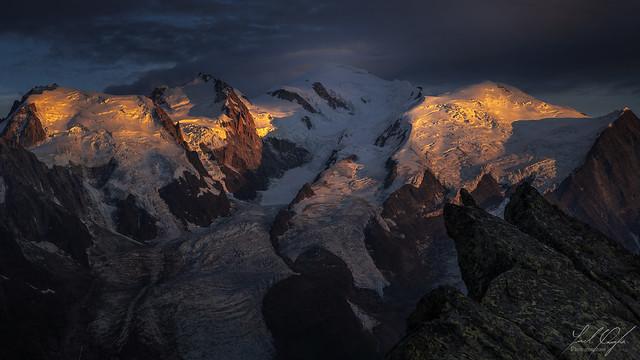 Coucher de soleil sur le massif du Mont-Blanc.