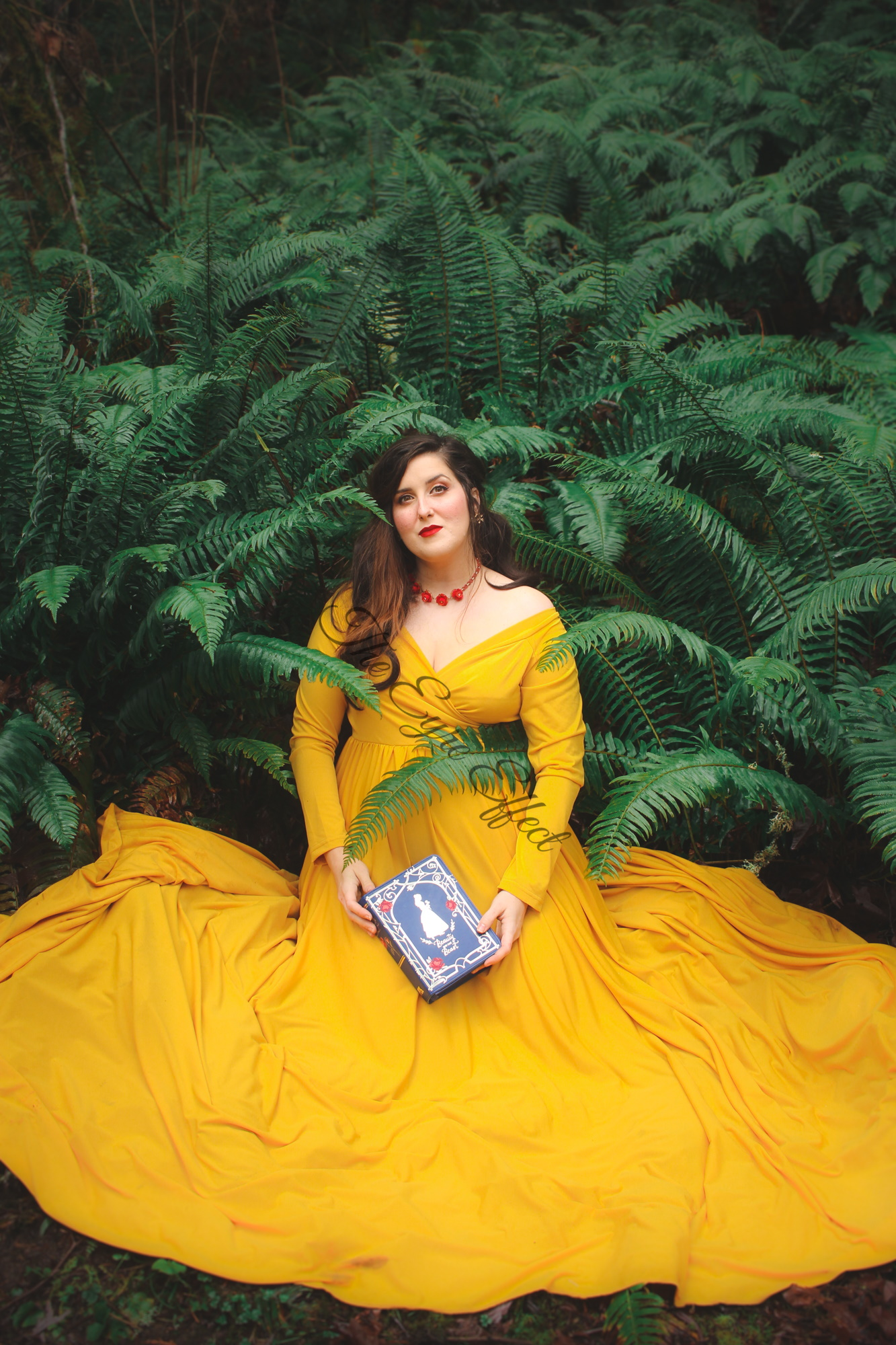 Beauty and the Beast Maternity photoshoot with Belle book purse