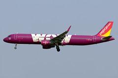 aircraft airliner aeroplane january 2020 bangkok thailand vtbs bkk suvarnabhumi airport vz tvj thai vietjet vietjetair airbusa321 airbus a321 200 211 wl hsvkn wowair