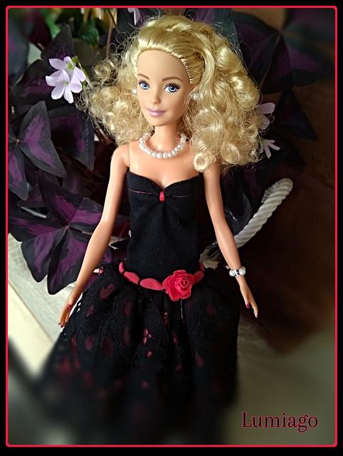 Barbie y sus vestidos de fiesta /Barbie and her party dresses