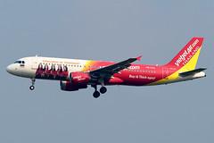 aircraft airliner aeroplane january 2020 bangkok thailand vtbs bkk suvarnabhumi airport vz tvj thai vietjet vietjetair airbusa320 airbus a320 200 214 hsvka welcometothailand