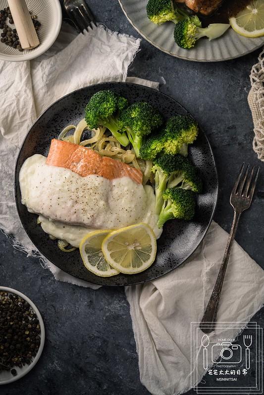 宅宅太太的日常,料理食譜,洋蔥白醬鮭魚排 @陳小可的吃喝玩樂