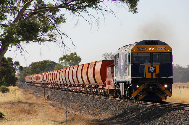 GL103 leads a rake of ballast wagons into Dimboola on transfer from Adelaide