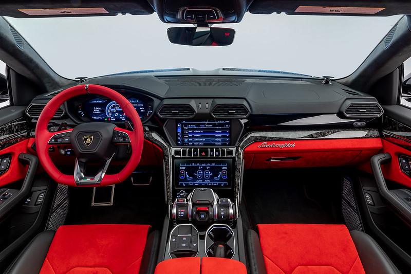 Lamborghini-Urus-1016-Industries-6