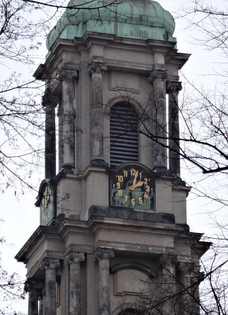 1732/34 Berlin Uhr am barocken Turm der evangelischen Sophienkirche von Johann Friedrich Grael Große Hamburger Straße 29-31 in 10115 Spandauer Vorstadt