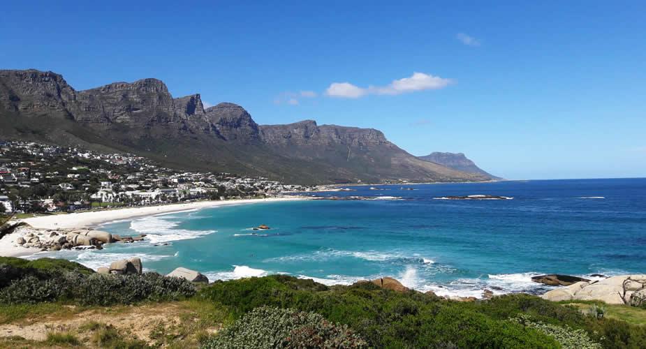 Strand in Kaapstad: Camps Bay | Mooistestedentrips.nl