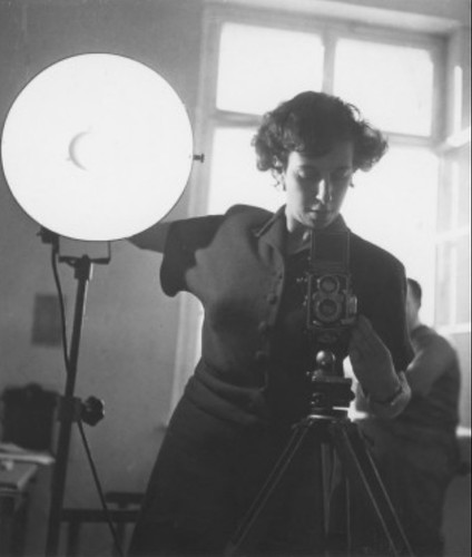 Lore Lisbeth Waller in her studio, ca. 1945