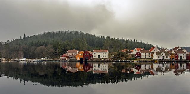 Naversundet og Underøy, Norway