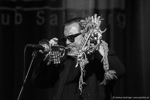 Rob Mazurek: trumpet, electronics