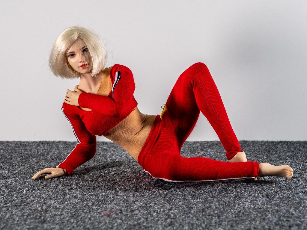 Phicen Female Posing Guide 49517403081_5e7997a6b1_b